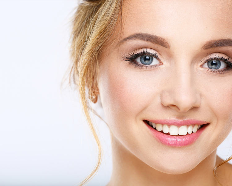 teeth whitening on girl